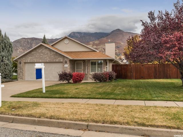 4166 S 900 E, South Ogden, UT 84403 (#1562705) :: The Utah Homes Team with iPro Realty Network