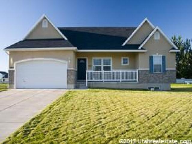 2408 W 2300 N, Clinton, UT 84015 (#1562831) :: The Utah Homes Team with iPro Realty Network
