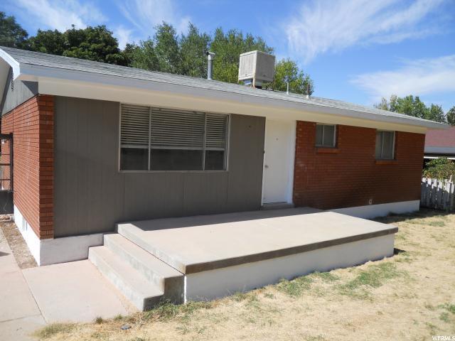 435 S Robins, Ogden, UT 84404 (#1562856) :: Big Key Real Estate