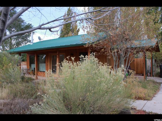 40 E 200 N, Torrey, UT 84775 (#1562870) :: Big Key Real Estate