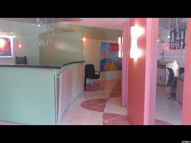 7370 S Creek Rd. Rd 204-A, Sandy, UT 84093 (#1562920) :: Big Key Real Estate