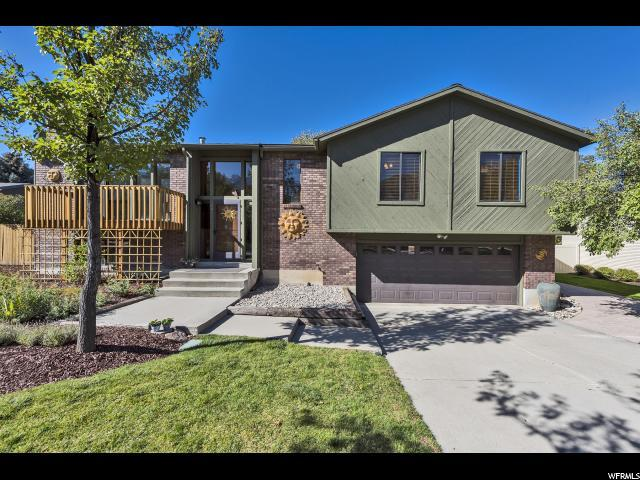 6846 Pineview Cir, Cottonwood Heights, UT 84121 (#1563141) :: The Utah Homes Team with iPro Realty Network