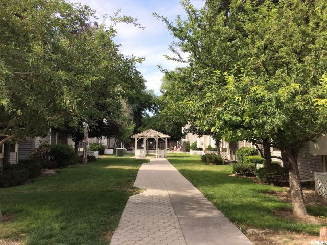 875 E Arrowhead Ln #3, Murray, UT 84107 (#1565923) :: goBE Realty