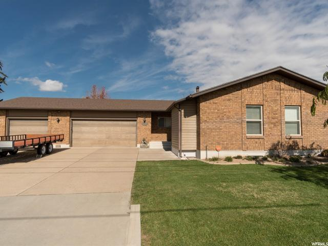 2424 W Gordon Ave, Layton, UT 84041 (#1566410) :: The Utah Homes Team with iPro Realty Network