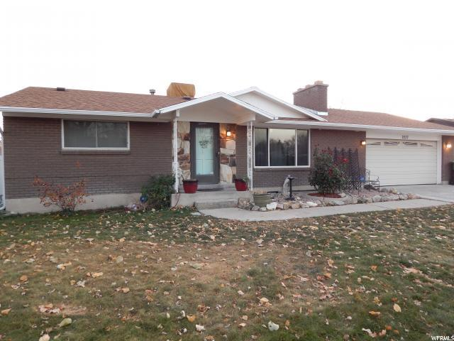 2037 W 6960 S, West Jordan, UT 84084 (#1566637) :: The One Group