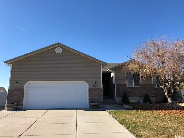 1721 N 2340 W, Clinton, UT 84015 (#1566645) :: The Utah Homes Team with iPro Realty Network