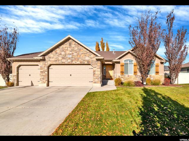 672 W 1900 S, Syracuse, UT 84075 (#1566932) :: Big Key Real Estate