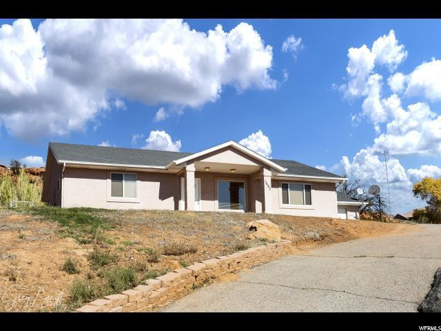 1032 N 2075 Cir E, St. George, UT 84770 (#1567630) :: Red Sign Team