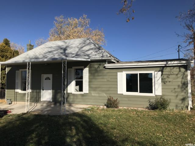 595 E 100 S, Kaysville, UT 84037 (#1567663) :: The Utah Homes Team with iPro Realty Network