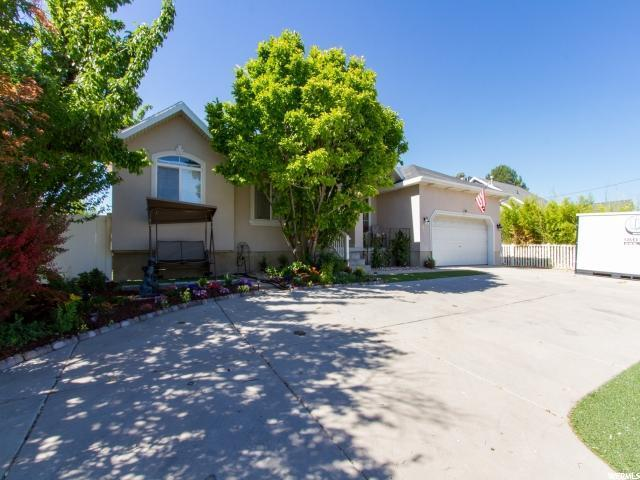 4241 W 4100 S, West Valley City, UT 84119 (#1567731) :: The Utah Homes Team with iPro Realty Network