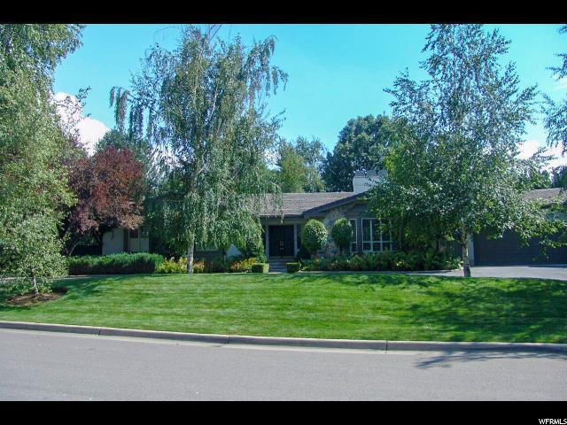 1850 E Cottonwood Club Dr, Holladay, UT 84117 (#1567791) :: goBE Realty