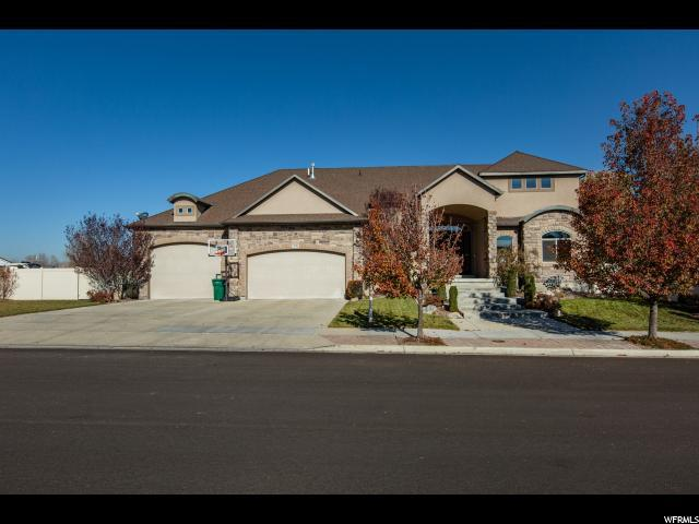 3176 W Durham Woods Way S, Riverton, UT 84065 (#1568452) :: goBE Realty