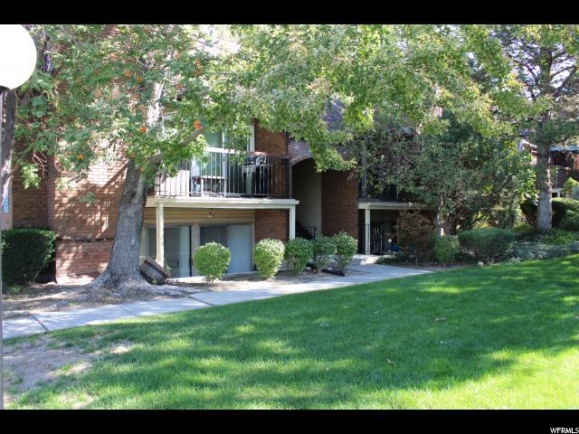 8117 S Cottonwood Hills Cir E, Sandy, UT 84094 (#1568871) :: goBE Realty