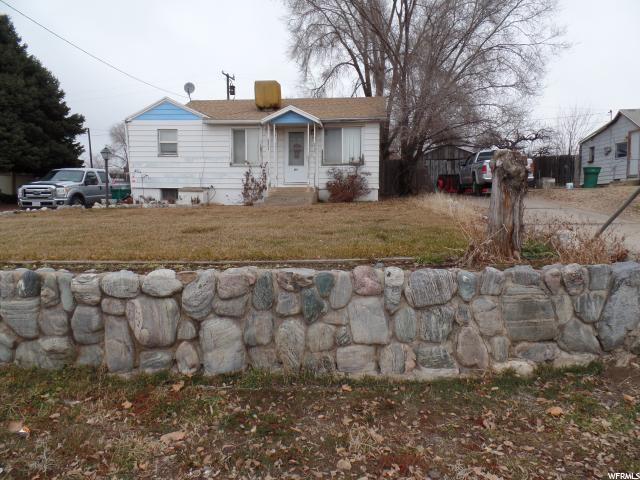 869 E Highway 193, Clearfield, UT 84015 (#1572083) :: Red Sign Team
