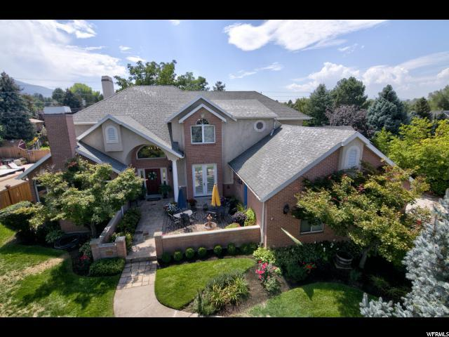 2230 E Pinecreek Cir S, Cottonwood Heights, UT 84093 (#1576223) :: Colemere Realty Associates