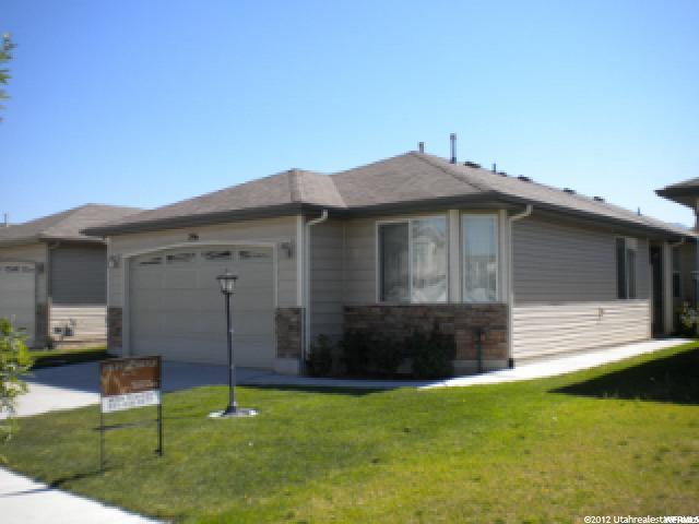 296 N Foxboro Dr, North Salt Lake, UT 84054 (#1576759) :: goBE Realty