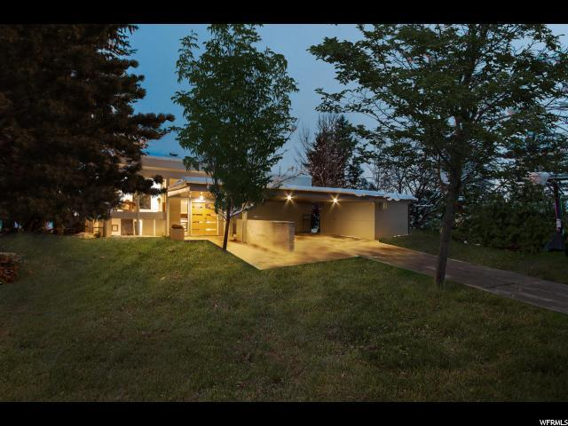 2850 E Hermosa Way, Holladay, UT 84124 (#1577550) :: Red Sign Team