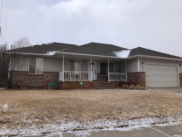 185 N Redview Dr, Richfield, UT 84701 (#1580536) :: goBE Realty