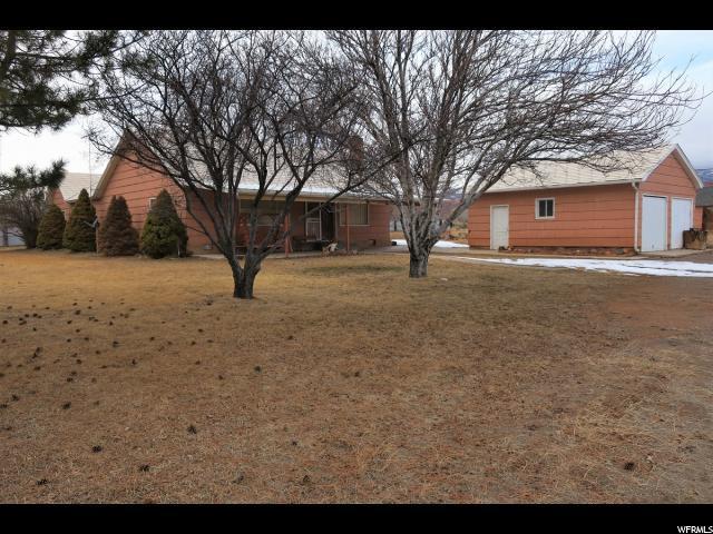 7 N 200 WEST St W, Torrey, UT 84775 (#1580662) :: Bustos Real Estate | Keller Williams Utah Realtors