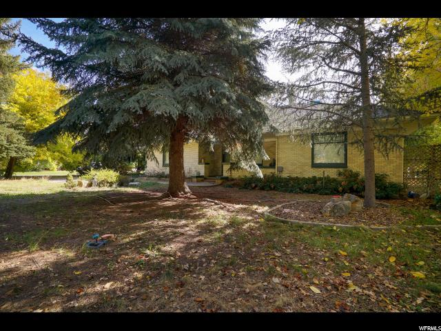 1295 W 300 N, Clearfield, UT 84015 (#1580704) :: Colemere Realty Associates