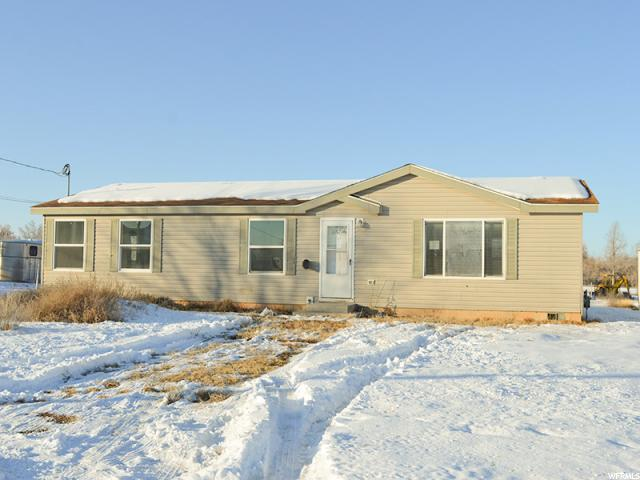 1705 E 4000 S, Vernal, UT 84078 (#1580886) :: goBE Realty