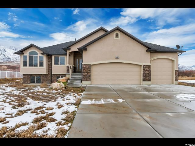 3916 N 2650 W, Farr West, UT 84404 (#1581331) :: The Fields Team