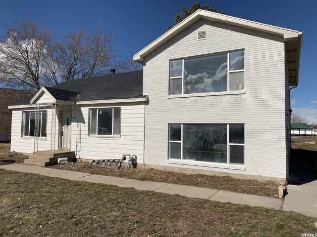 1834 W 2700 S, Syracuse, UT 84075 (#1581372) :: Colemere Realty Associates