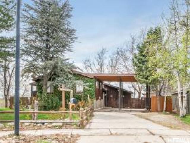 9964 S 610 St E, Sandy, UT 84070 (#1581424) :: Bustos Real Estate | Keller Williams Utah Realtors