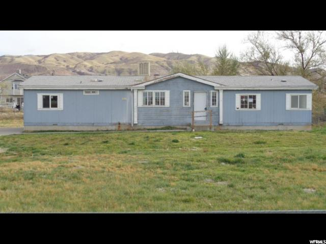 1932 N Rose Park Ln, Salt Lake City, UT 84116 (#1582171) :: goBE Realty