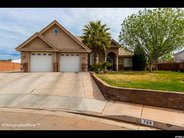 794 N Pcituresque Dr, St. George, UT 84770 (#1583326) :: Exit Realty Success