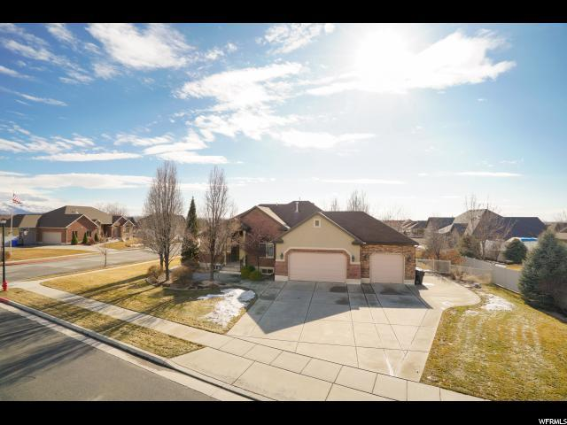 1041 W Mountain Orchard Dr, Pleasant View, UT 84414 (#1583998) :: Keller Williams Legacy