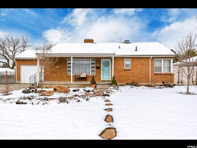 2103 E Lincoln Ln S, Holladay, UT 84124 (#1584510) :: Big Key Real Estate