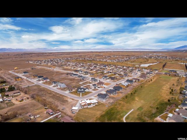 2841 W 3325 N, Farr West, UT 84404 (#1585719) :: Colemere Realty Associates