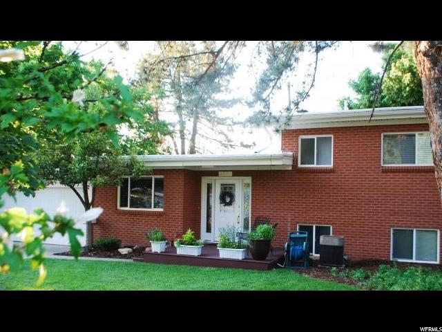 3325 E 4090 S, Holladay, UT 84124 (#1586667) :: Colemere Realty Associates