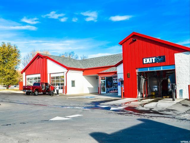 2056 N Hillfield Rd, Layton, UT 84041 (#1586683) :: Bustos Real Estate | Keller Williams Utah Realtors