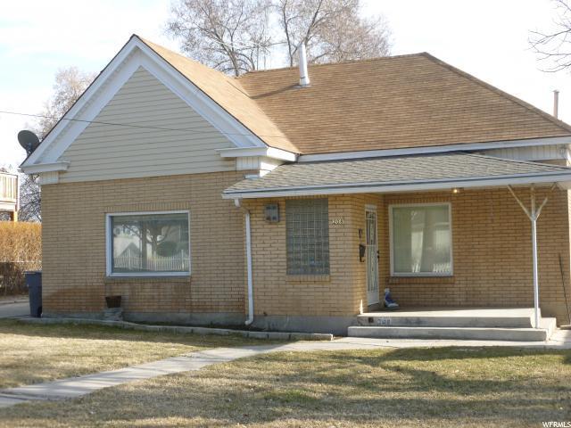 208 E 200 S, Pleasant Grove, UT 84062 (#1587365) :: Colemere Realty Associates