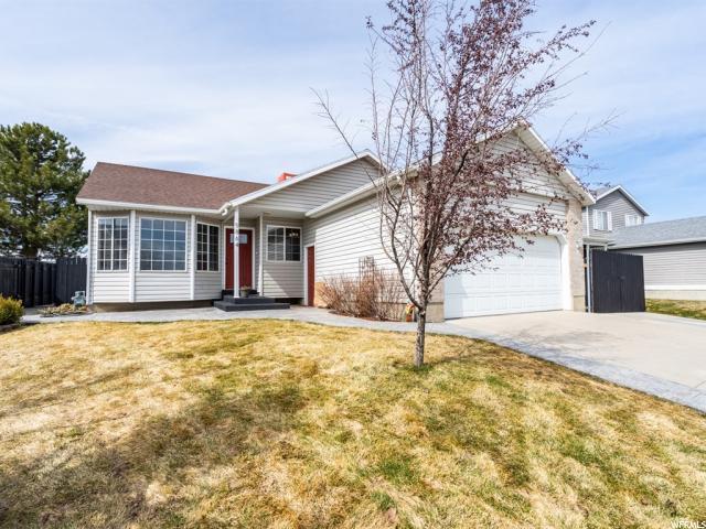 5864 S 3340 W, Taylorsville, UT 84129 (#1587403) :: Bustos Real Estate   Keller Williams Utah Realtors