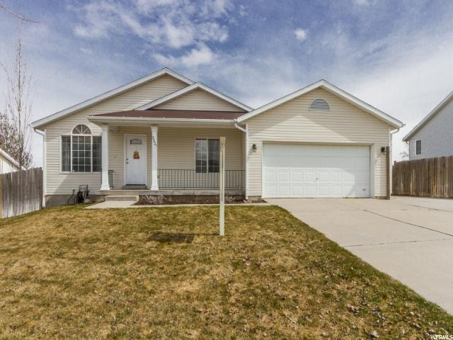 3327 S Sweetgum Dr, Magna, UT 84044 (#1588290) :: The Utah Homes Team with iPro Realty Network