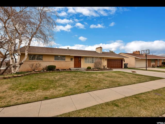 1946 S Bonneview Dr, Bountiful, UT 84010 (#1588719) :: Bustos Real Estate | Keller Williams Utah Realtors