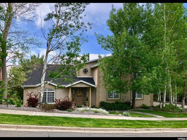 2902 S Oakwood Dr, Bountiful, UT 84010 (#1589024) :: Bustos Real Estate | Keller Williams Utah Realtors