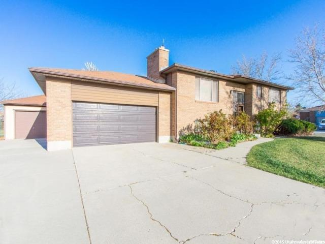 3125 S 4880 W, West Valley City, UT 84120 (#1589632) :: Big Key Real Estate