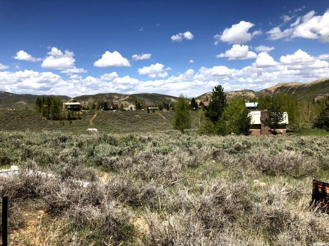 8979 E Soldier Creek Way N, Daniel, UT 84032 (MLS #1590386) :: High Country Properties