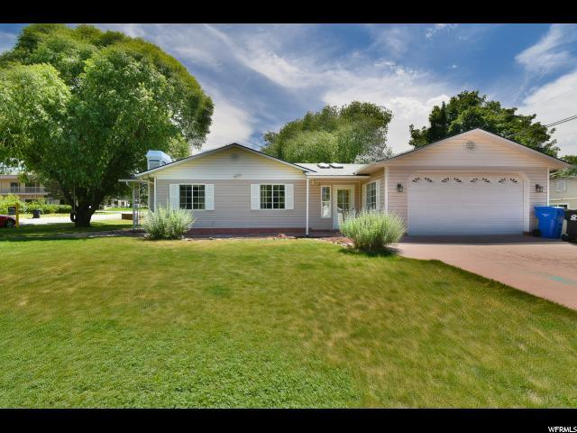 6920 Brookhill Dr, Cottonwood Heights, UT 84121 (#1591208) :: Bustos Real Estate | Keller Williams Utah Realtors