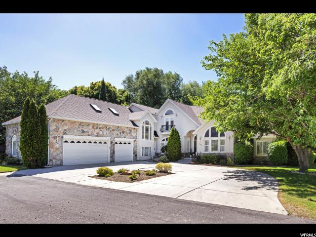 7972 S Willow Cir, Cottonwood Heights, UT 84093 (#1592611) :: goBE Realty