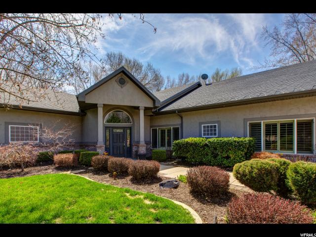 1860 E Forest Bend Dr. S, Cottonwood Heights, UT 84121 (#1593662) :: The Canovo Group