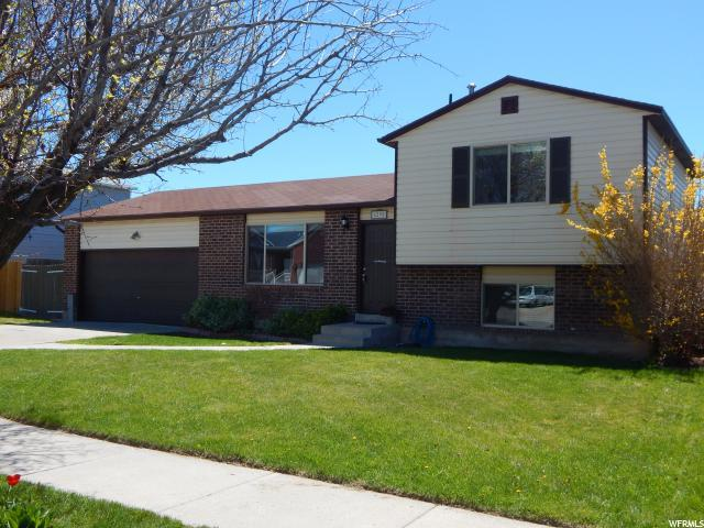6295 W 2900 S, West Valley City, UT 84128 (#1594932) :: The Canovo Group