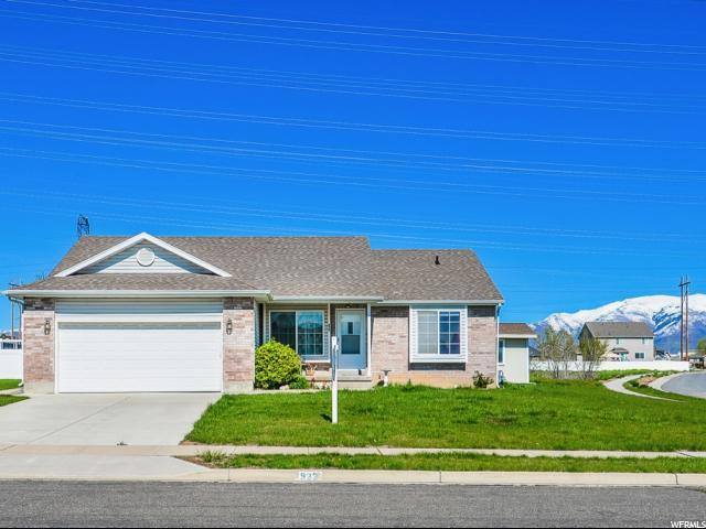 922 S 1150 W, Clearfield, UT 84015 (#1594989) :: The Canovo Group