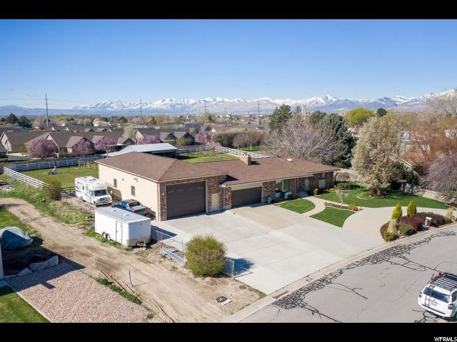 2829 W 6870 S, West Jordan, UT 84084 (#1595140) :: goBE Realty