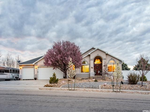 2076 W Aspen Ave, Bluffdale, UT 84065 (#1595228) :: The Utah Homes Team with iPro Realty Network