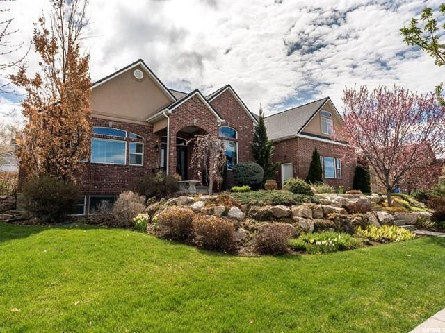4292 N 250 W, Pleasant View, UT 84414 (#1595824) :: The Utah Homes Team with iPro Realty Network